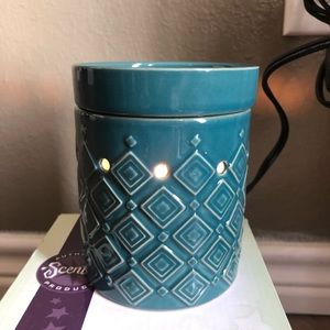 scentsy Accents - Hydro mid size Scentsy Warmer